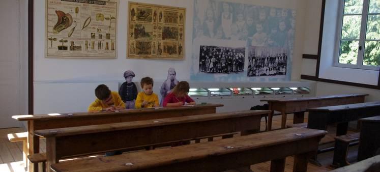 musee-ecole-tregarvan