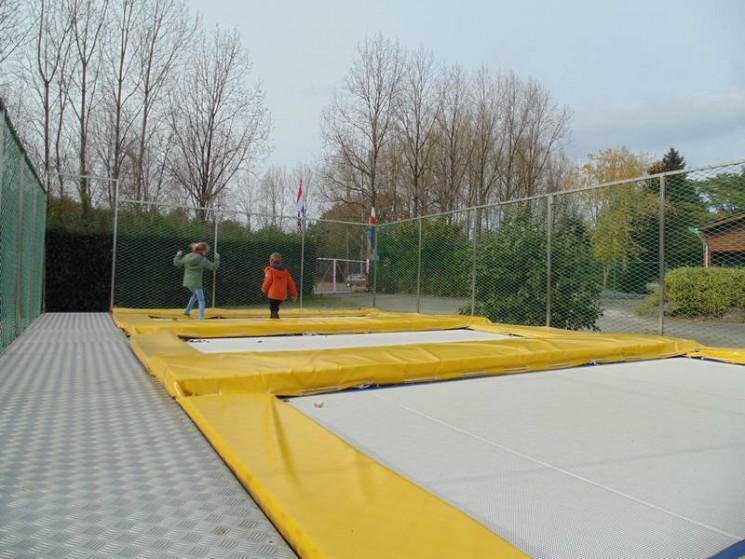 Des trampolines pour acrobates