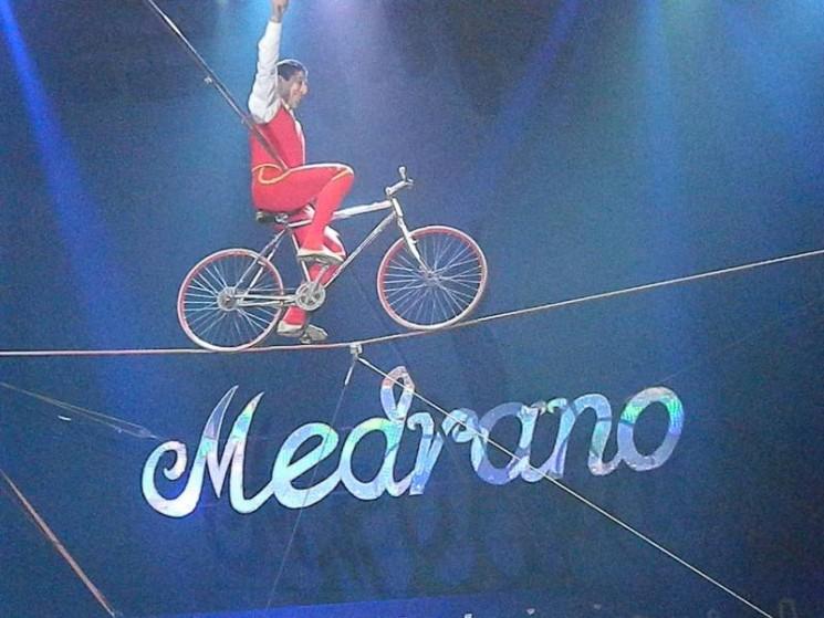 Place au cirque !