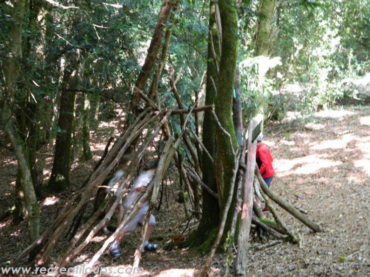 Fabrication de cabanes dans les bois