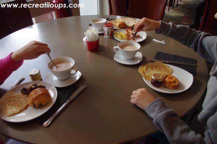 Un petit-déj, frais, copieux et varié