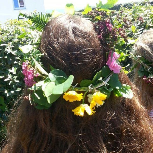 Atelier couronne de fleurs pour un anniversaire