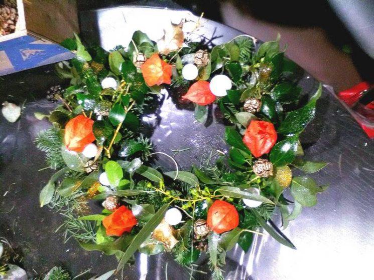 Création d'une couronne fleurie