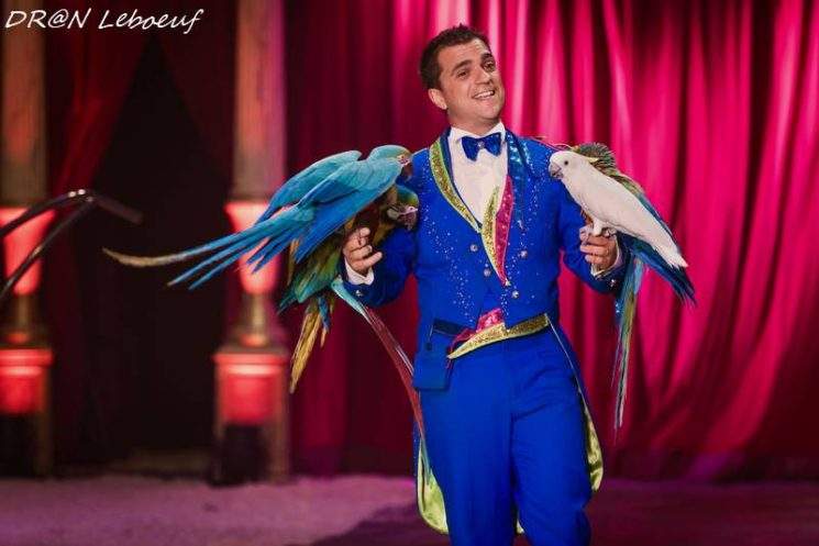 Jean Gutierrez et ses perroquets