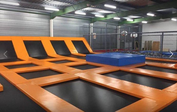 650m2 de trampolines et bacs de mousses