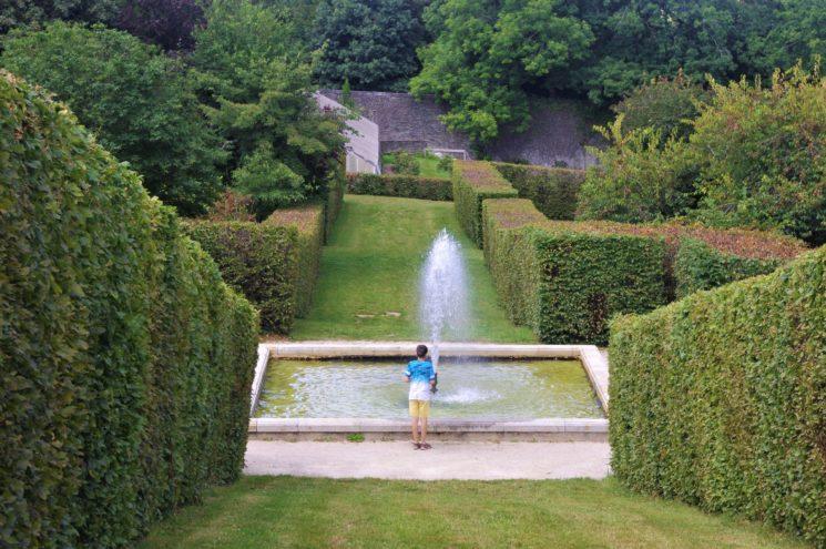 Fontaine près des serres